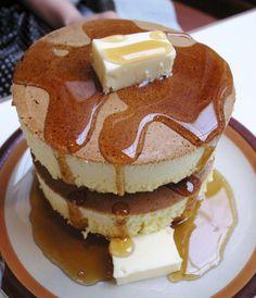 PANCAKE PARTY: Grab the cinnamon and sugar, slice a lemon and start flipping pan. Japanese Food Names, How To Make Cake, Food To Make, Pancake Party, Japanese Pancake, Batter Recipe, Crepe Cake, Morning Food, Pancakes
