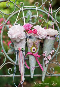 These would be darling May Day baskets to share with friends and neighbors. Victorian Crafts, Vintage Crafts, Shabby Vintage, Shabby Chic, Arts And Crafts, Paper Crafts, Diy Crafts, Little Girl Beds, May Day Baskets