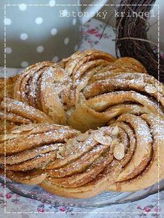 Kouzlo mého domova: Estonský kringel Small Desserts, Sweet Desserts, Mexican Food Recipes, Dessert Recipes, Cinnamon Rolls, Pain, Apple Pie, Baked Goods, Deserts