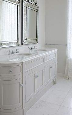 Bespoke Double Stratford Vanity Unit painted in farrow and ball corn forth white. With Thassos White Marble Polished Top with Classic Ogee Edge. www.portervanities.com
