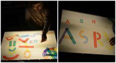 lectoescritura con la mesa de luz, crear letras con lineas y curvas Reggio Emilia, Experiment, Light Table, Language Arts, Ideas Para, Teacher, Activities, Diy, Creative