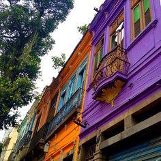 Sobrados coloridos da Lapa, Rio. So colorfull, love the balconies