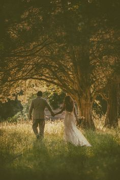 Dream Wedding | Southern Wedding | Wedding Kiss | Romantic Wedding | Rustic Wedding | Sunset Wedding | Trees | Lace Wedding Dress | Long Hair | Bride | Groom | Outside | Farm Wedding | GetzCreative