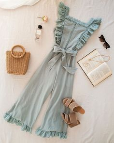 Weekends are for pretty jumpsuits and farmers markets - Bekleidung - Spring Summer Fashion, Spring Outfits, Look Retro, Mode Boho, Hot Dress, Overall, Fashion Outfits, Fashion Tips, Fashion Movies