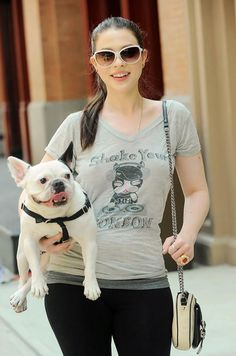 Michelle Trachtenberg T-Shirt Style