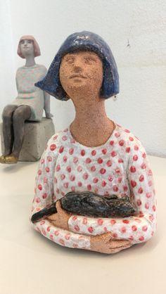 Porin neidit, keramiikka, 2018 - Anne Kimiläinen   #ceramic #keramik #arts #sculpture…