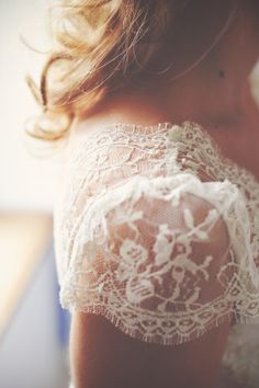 Lovely detail in these lace cap sleeves