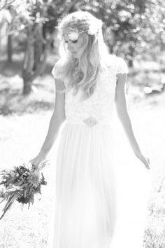 www.graceloveslace.com #Bohemian #Boho #Bohobride #weddingdress #bohoweddingdress #beachbride #countrywedding #vintagewedding