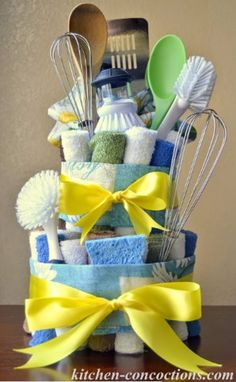 DIY Housewarming Gifts - Dish Towel Cake - Best Do It Yourself Gift Ideas for Friends With A New House, Home or Apartment - Creative, Cheap and Quick Crafts and DIY Ideas for Housewarming Presents - Mason Jar Gifts, Baskets, Gifts for Women and Men diyjoy.com/...
