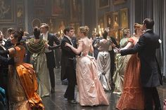 Rewatching the latest episode of #PennyDreadful. Divine ball costumes designed by Gabriella Pescucci. L @SHO_Penny