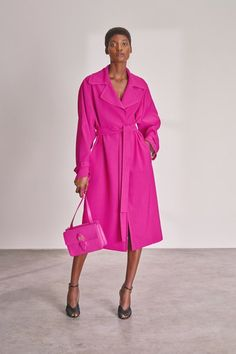 Rochas Resort 2019 Fashion Show Collection: See the complete Rochas Resort 2019 collection. Look 41 Coats For Women, Jackets For Women, Clothes For Women, Pink Fashion, Fashion Outfits, Womens Fashion, Winter Typ, Merian, Mode Chic