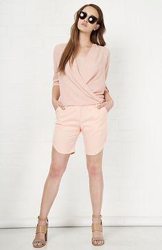 Six Crisp Days Curved Shorts in Blush S - L | DAILYLOOK