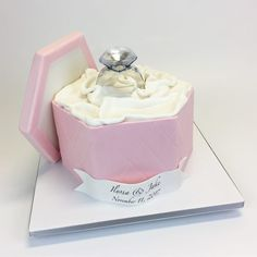 3D engagement ring box Cakes