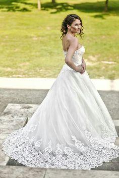 Dă viață fanteziilor tale de nuntă! #weddingdress #weddingtime #bride #beautiful #dress #whitedress