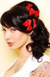 lazon-en-peinados-pin-up Looks Rockabilly, Rockabilly Hair, Retro Hairstyles, Wedding Hairstyles, Short Hairstyles, Pelo Retro, Pelo Vintage, Vintage Curls, Look 2015