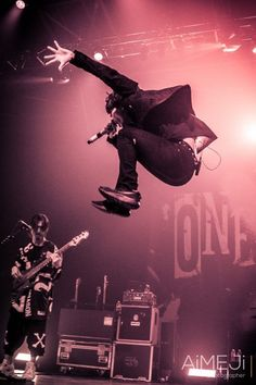 Listen to every One OK Rock track @ Iomoio One Ok Rock, Takahiro Morita, Takahiro Moriuchi, Tomtord Comic, Cool Rocks, Entertaining, Track, Geek, Wallpapers