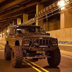 She's a beauty and this shot is sick Jeep Zj, Jeep Xj Mods, Jeep Truck, Jeep Land Rover, Jeep Grand Cherokee, Cherokee 4x4, Hummer, Badass Jeep, Offroader
