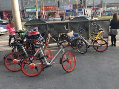 Shanghai Stops Addition of New Bike-Sharing Cycles, Orders Providers to Clear Cluttered Streets