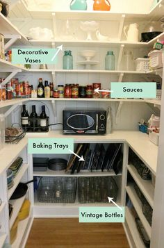 Need to learn how to organize a pantry? Use these 4 steps to clean, organize, and achieve the pantry of your dreams! Need to learn how to organize a pantry? Use these 4 steps to clean, organize, and achieve the pantry of your dreams! Pantry Shelving, Pantry Storage, Pantry Organization, Kitchen Storage, Pantry Ideas, Pantry Diy, Organized Pantry, Small Storage, Food Storage