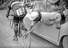vintage cycle: 18 тыс изображений найдено в Яндекс.Картинках
