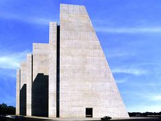 """Kevin Roche + John Dinkeloo 
