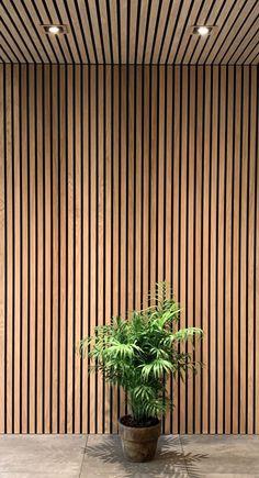 Wood Slat Wall, Wood Panel Walls, Wooden Slats, Wood Paneling, Timber Feature Wall, Ceiling Design, Wall Design, Timber Cladding, Wood Cladding Interior