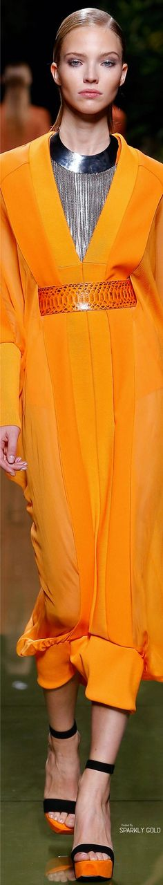 Terciario: amarillo naranja.