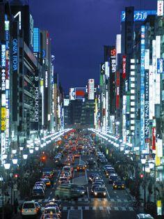 Chuo-Dori Avenue, Ginza, Tokyo, Japan Photographie par Walter Bibikow sur AllPosters.fr