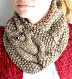 Knitting Pattern for Owl Cowl - A simple cable owl in stockinette stitch is framed by seed stitch. Quick knit in bulky yarn, this neckwarmer takes only a few hours according to the designer.