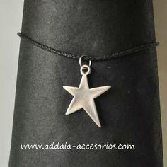 #collar con #estrella de #zamak bañado en #plata y cordón de #algodon  www.addaia-accesorios.com #bisuteria #artesana #vegana #personalizable #bisuteriaartesanal #bisuteriapersonalizada #hechoamano #handmade #star #vegan