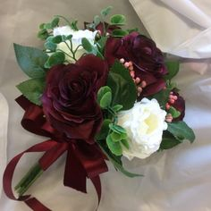 A bridesmaids bouquet of ivory & burgundy silk rose flowers - Wedding Planning - Church Wedding Flowers, Cheap Wedding Flowers, Prom Flowers, Bridesmaid Flowers, Diy Flowers, Diy Bouquet Mariage, Diy Wedding Bouquet, Bride Bouquets, Silk Roses