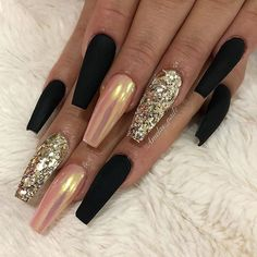 Matte Black Nude with Chrome Effect and Glitter on long Coffin Nails – Estella K. Matte Black Nude with Chrome Effect and Glitter on long Coffin Nails – Ongles Bling Bling, Bling Nails, Glitter Nails, Nail Art With Glitter, Hair And Nails, My Nails, Crome Nails, Black Coffin Nails, Black Chrome Nails