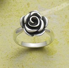 Rose Blossom Ring #jamesavery