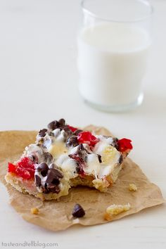 These look like summer! Banana Split Bars | www.tasteandtellblog.com