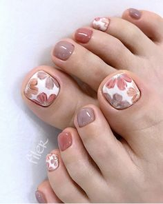 Elegant And Stylish Bright French Toe Nails Design elegant and stylish bright french toe nails design; elegant toe nails in bright colors; bright color design nails for toes; Elegant And Stylish Bright French Toe Nails Design Pretty Toe Nails, Cute Toe Nails, Toe Nail Art, Gel Toe Nails, Acrylic Nails, Pretty Toes, Toe Nail Polish, Gel Toes, Nagellack Design