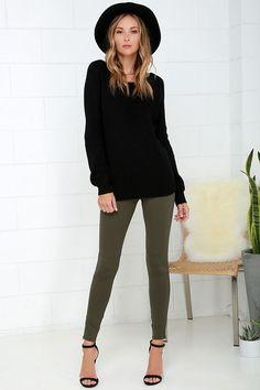Hold Your Gaze Olive Green Leggings at Lulus.com!