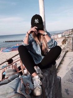 Image about girl in poses and fashion by Robin Tumblr Outfits, Mode Outfits, Casual Outfits, Fashion Outfits, Girl Fashion, 90s Fashion, Fashion Clothes, Fitness Fashion, Fashion Shoes