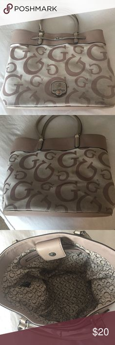 ffea9c06fe43 Guess bag This gently used guess bag purse was used a few times in great  condition Guess Bags Totes