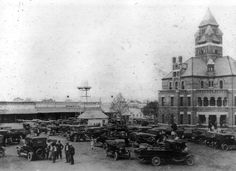 One of America's largest flea markets began in the when the Circuit Judge stopped in Canton on the first Monday of each month to hold court. Canton First Monday, Vacation Places, Vacations, Texas History, Wild Horses, Canton Tx, The Good Place, Things To Sell, Livestock