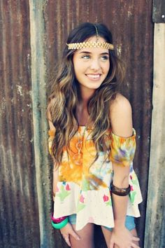 great way to wear those floral blouses we all have
