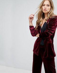 Shop for Tailored Velvet Blazer by Vero Moda on ShopStyle. Mature Fashion, Fashion Over 40, Fashion 2017, Fashion Online, Fashion Outfits, Blazer Jackets For Women, Blazers For Women, Asos, Cute Blazers