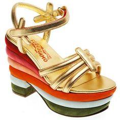 Sandale compensée SALVATORE FERRAGAMO, quand faire de la chaussure s'approche de l'art.