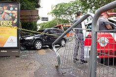 São Paulo: #Motorista atropela três pessoas em ponto de ônibus na zona oeste de SP - http://spagora.com.br/motorista-atropela-tres-pessoas-em-ponto-de-onibus-na-zona-oeste-de-sp/