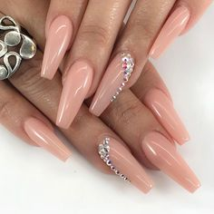 Nails with rhinestones Nude Nails. Nails with Rhinestones. Nails with Rhinestones. Summer Acrylic Nails, Best Acrylic Nails, Acrylic Nail Designs, Acrylic Art, Diamond Nail Designs, Beige Nails, Nude Nails, My Nails, Fall Nails