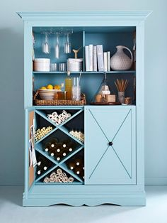Great storage for placemats, napkins, napkin rings, and larger bowls / pitchers.