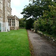 Castle Waterford Castle, Sidewalk, Side Walkway, Walkway, Walkways, Pavement