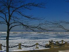 A frozen Lake Erie. #Cleveland