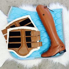 """Urban Horsewear on Instagram: """"The very popular HKM Crystal Fashion Saddlepad ❤️ Paired with some tan accessories.  www.urbanhorsewear.com 💵 $5 Flat Rate AUS side   $10…"""" Crystal Fashion, Flat Rate, Equestrian, Chelsea Boots, Pairs, Urban, Popular, Crystals, Accessories"""