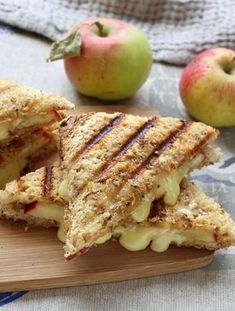 Croque-monsieur pomme et camembert - Recipes Gourmet Recipes, Pizza Recipes, Cooking Recipes, Healthy Recipes, Fall Recipes, Food Porn, Little Lunch, Healthy Sandwiches, Food Inspiration