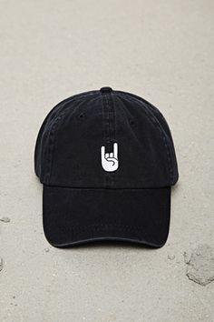 944f9bdcbec Baseball Cap Outfit